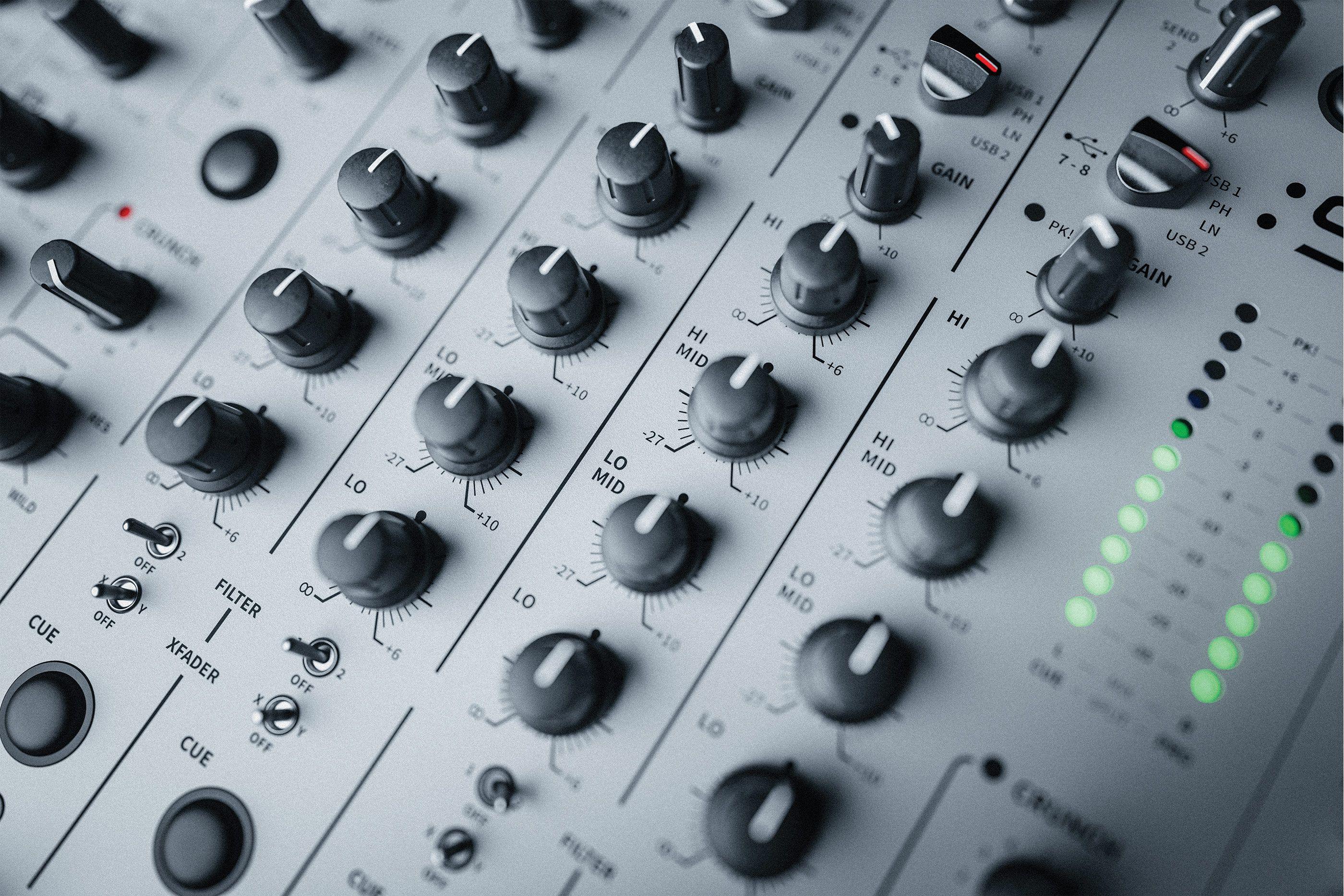 Review: Allen & Heath XONE:96 : Ask.Audio