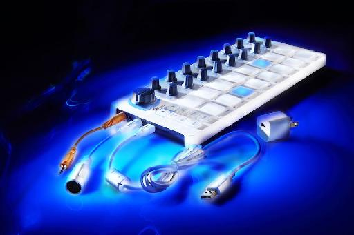 The Beatstep features CV, MIDI and USB connections.