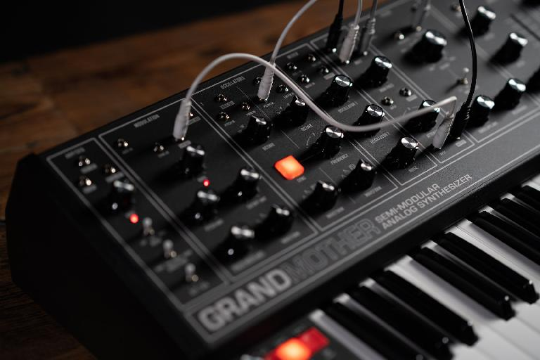 Moog Grandmother Dark series