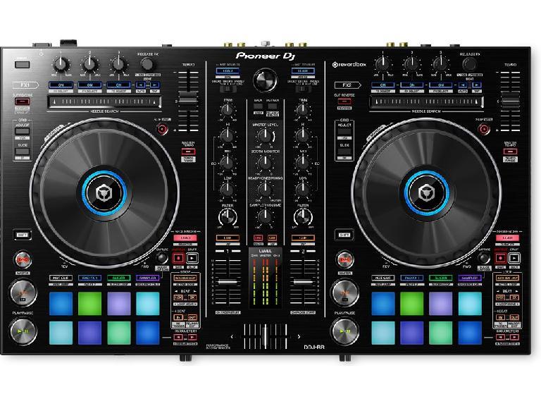 Pioneer DDJ-RR rekordbox DJ controller.