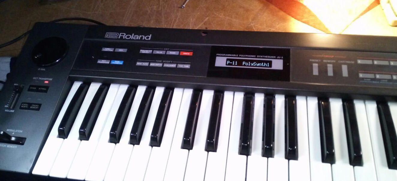 ROLAND JUNO 2  POLYPHONIC Programmable SYNTHESIZER OWNERS MANUAL JUNO-2