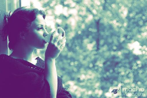 girl drinking coffee-purple to white gradient