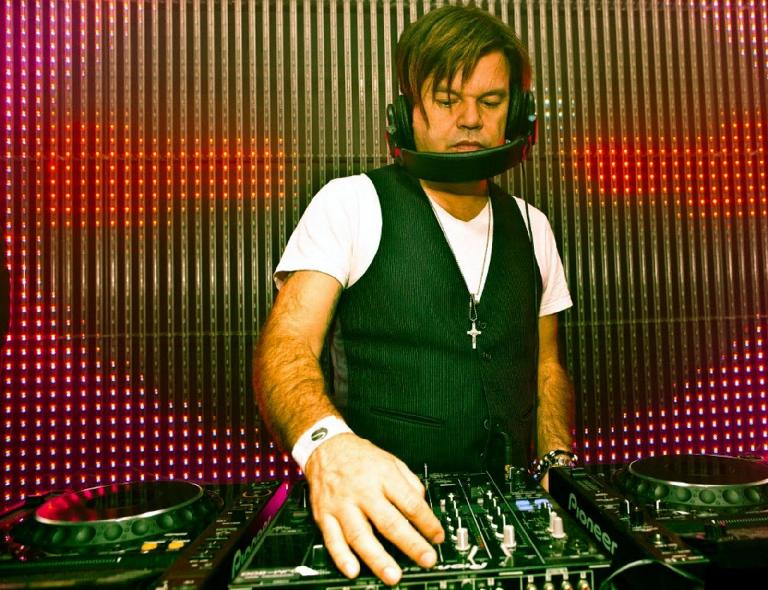 Paul Oakenfold still hadn't quite got the hang of headphones