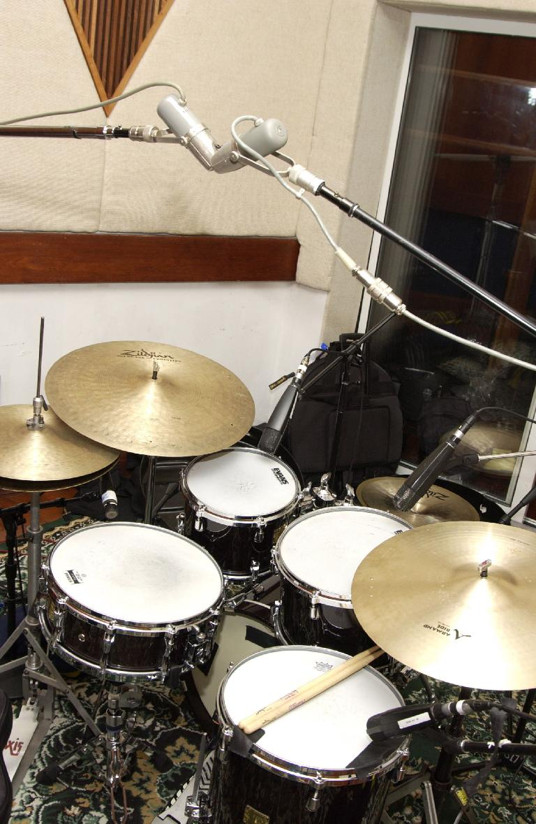 Fig 2 Overhead drum mics, in an XY pattern