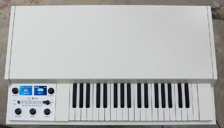 Figure 7 – M4000D.