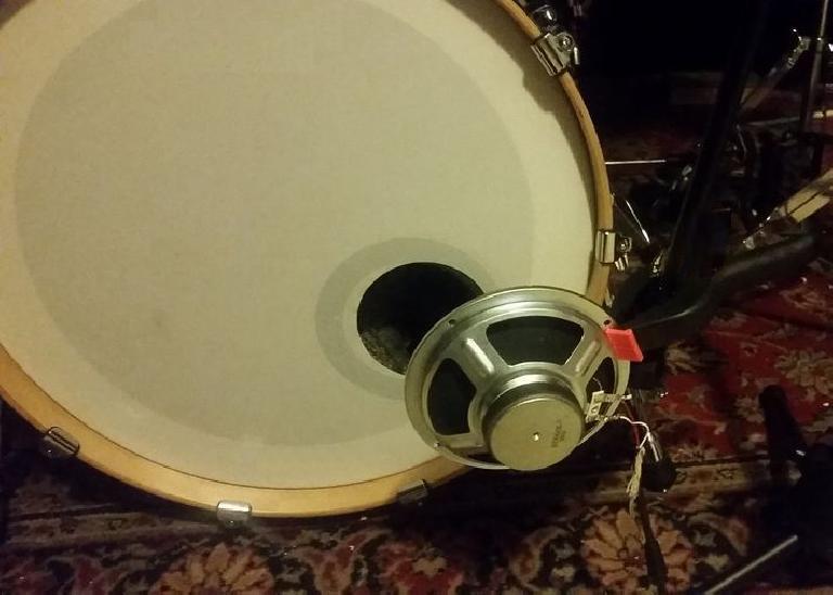 Speaker as kick drum mic