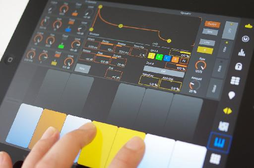 Compose, mix, perform in Ableton Live all on your iPad.