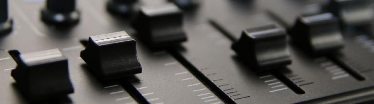 Korg nanoKontrol Studio mixer