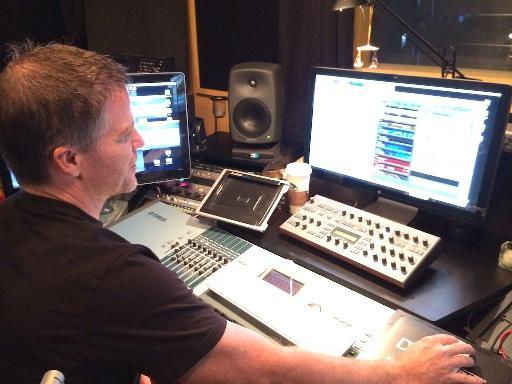 Dave Fraser showing us around their latest instrument, DM-307.