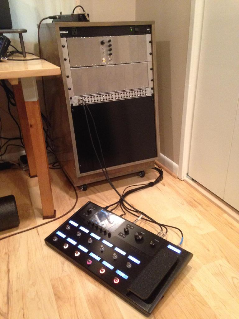 The Modular Guitar Pedal Rack connected to the Line6 Helix.