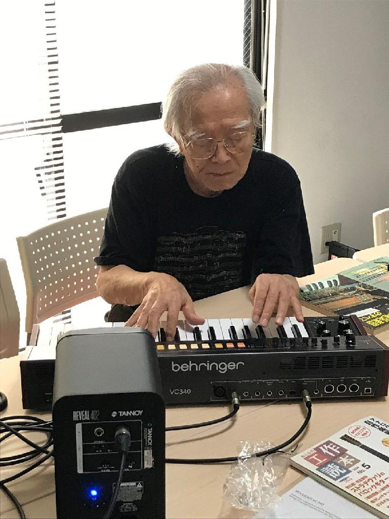Noriyasu San playing the Behringer VC340 Vocoder