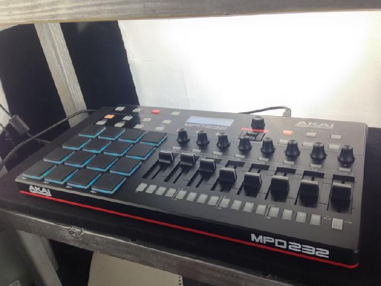 Akai Pro MPD232