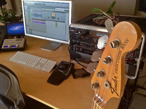 70 Fender Precision Bass.
