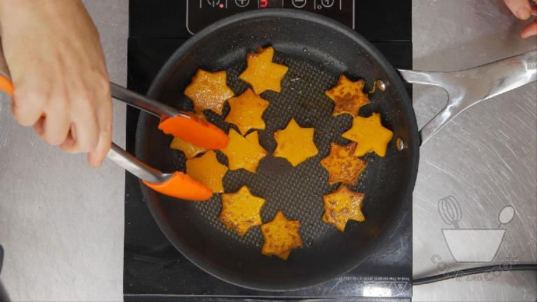 These pumpkin stars released a lovely burst of steam when a lid was removed, but be careful not to damage your gear