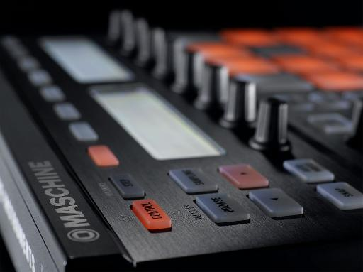 Image of Maschine zoomed in at an angle.
