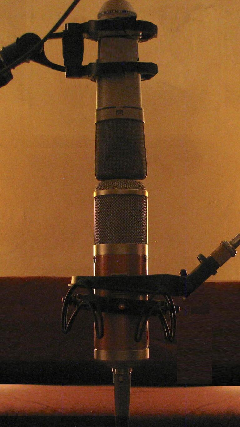 The two mics head-to-head for recording