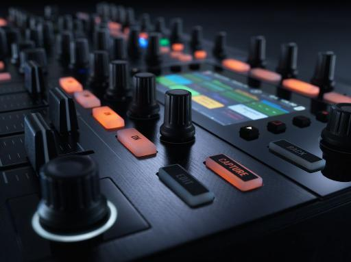 Native Instruments Traktor Kontrol S8  close up angle