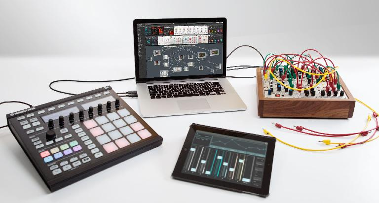 Reaktor, Maschine, modular synth & iPad: All happy together!