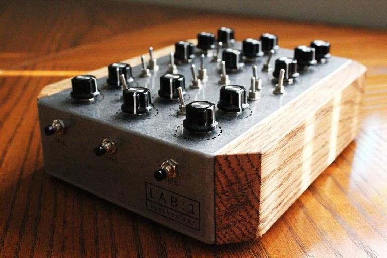 Artificial Noise LAB:1 Synth