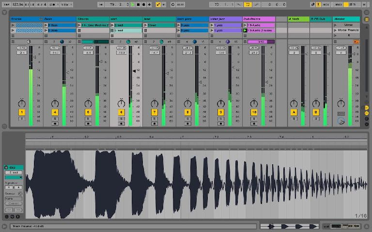 Improved waveforms and metering in Live 9.5