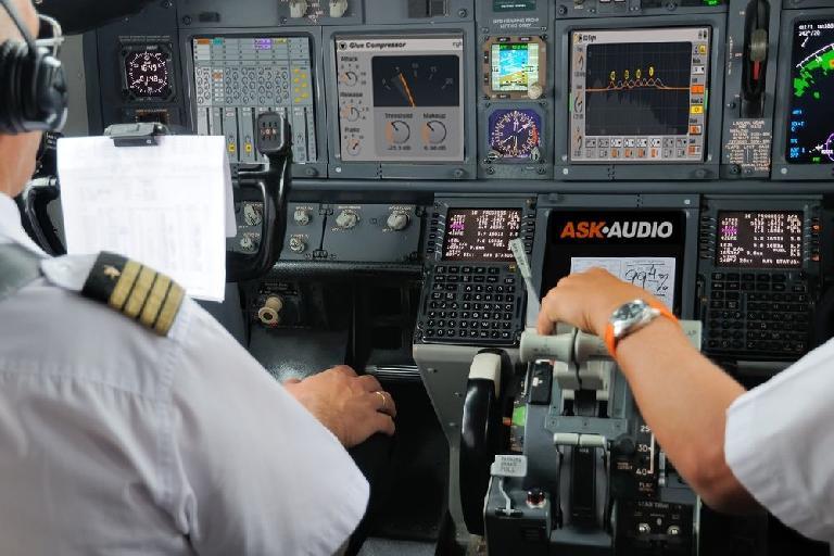 Airplane cabin cockpit Ableton Live