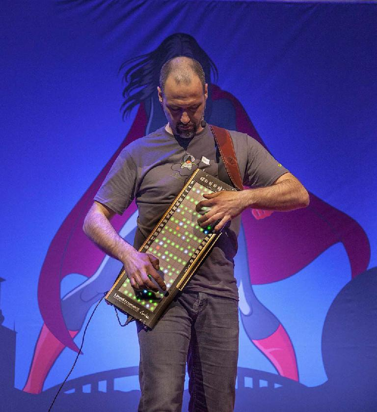 Geert Bevin with Linnstrument