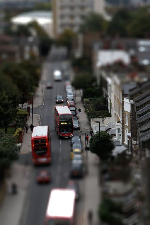 Here's the finished result, with a single tilt-shift region