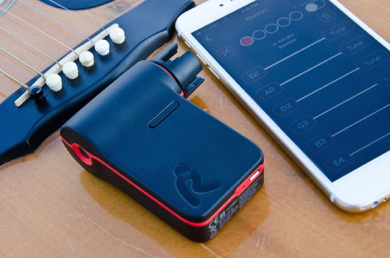 Roadie automatic guitar and bass tuner and string winder