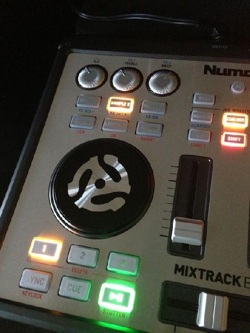 Mixtrack's Edge