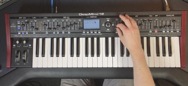 Behringer DeepMind 12 anlog, polyphonic synthesizer