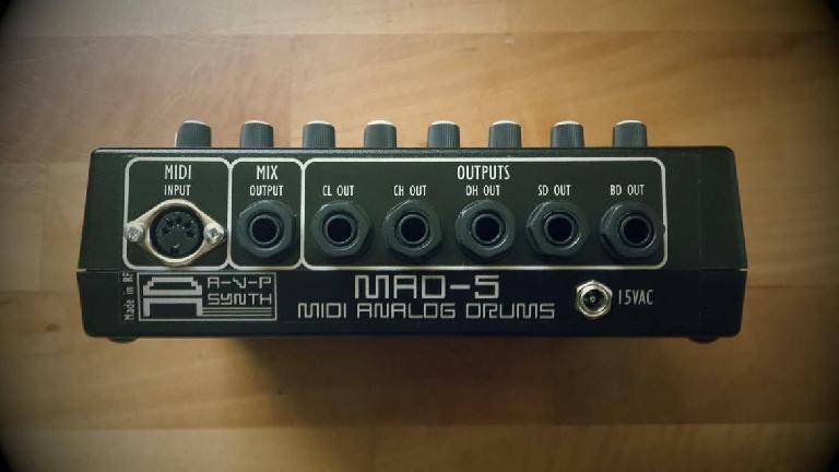 MAD-5 MIDI analog drum machine rear