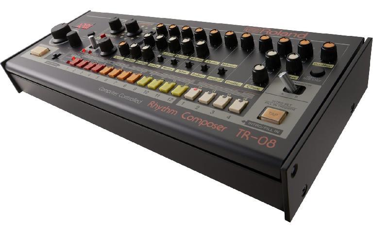 Roland TR-08.