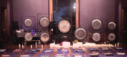 Figure 3 – Gong and Crystal Bowl Sound Bath Set-Up (Jamie Ford, Sound-Bath.com)
