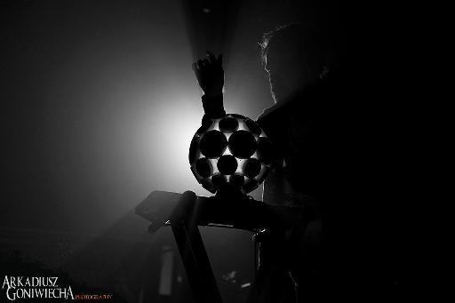 Rou Reynolds of Enter Shikari using his AlphaSphere.