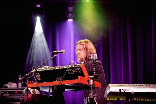 Erik Norlander performing at the BMF birthday bash.