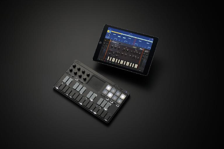 nanoKEY Studio with iPad