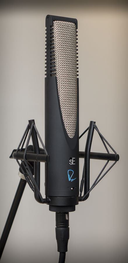 The sE RNR1 with included shock mount.