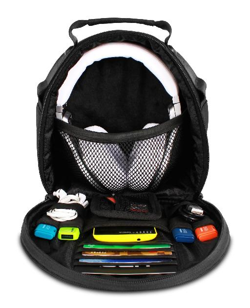 Inside the UDG DIGI Headphone Bag.